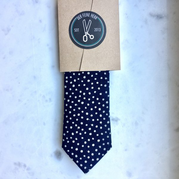 krawatte-punkte-weiss